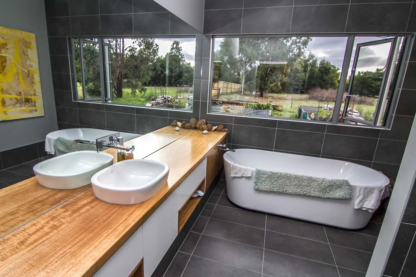 Woodhams-builders-bathroom